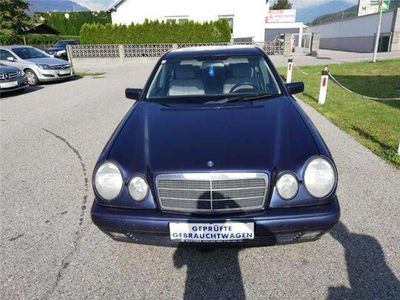 gebraucht Mercedes E220 E-KlasseElegance CDI - sehr gepflegter Zustand Limousine