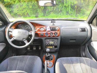 gebraucht Ford Escort Trav. 1.8. GHIA Kombi / Family Van,