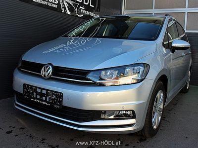 used VW Touran Trendline 1,6 SCR TDI DSG Kombi / Family Van,