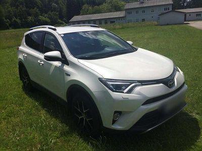 used Toyota RAV4 2.5 Hybrid Lounge AWD Aut. SUV /
