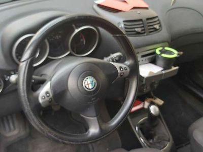 gebraucht Alfa Romeo 147 16 benzin Klein-/ Kompaktwagen