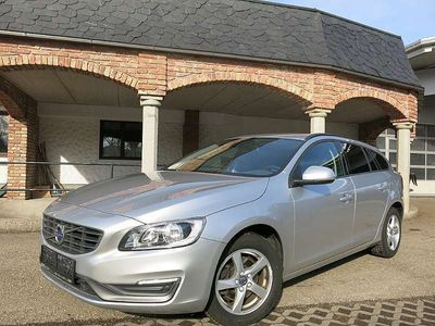 gebraucht Volvo V60 D2 *Navi*Tel*Winterpaket*PDC*