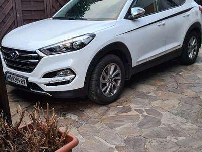 gebraucht Hyundai Tucson 1.7 crdi 2wd Start stopp automatik SUV / Geländewagen