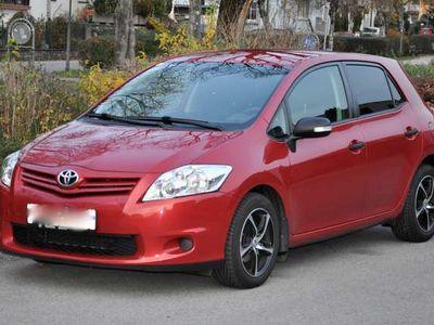 gebraucht Toyota Auris 1,33dVVT-i S&S Young Klein-/ Kompaktwagen