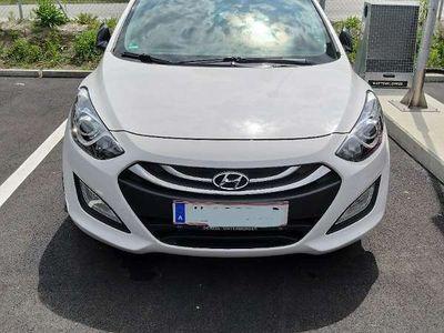 gebraucht Hyundai i30 CW 1,4, CRDi Europe Plus DPF Kombi / Family Van
