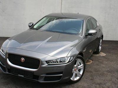 gebraucht Jaguar XE 2,0d 180PS AWD AT Pure