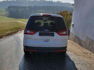 gebraucht Ford Galaxy 2,0 TDCi Titanium Automatik Navi Kombi / Family Van