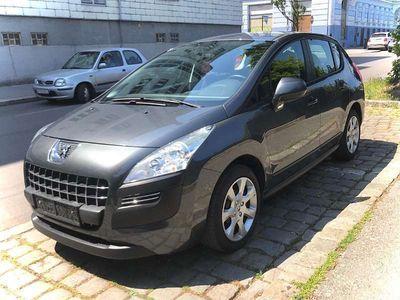 gebraucht Peugeot 3008 1,6 16V VTi 120 Access - Serviceheft Kombi / Family Van