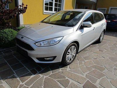 gebraucht Ford Focus Traveller 1,6 TDCi Trend Kombi / Family Van,
