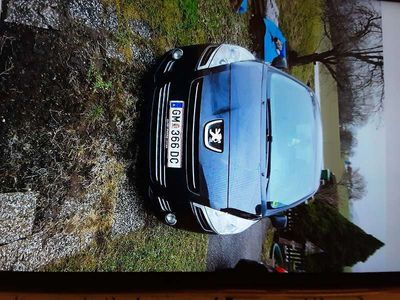 gebraucht Peugeot 5008 PR HDI 115 Kombi / Family Van