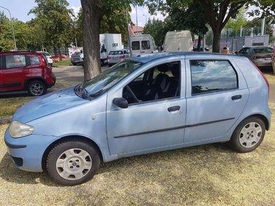 gebraucht Fiat Punto 1.2 Benzin mit KLIMA Limousine