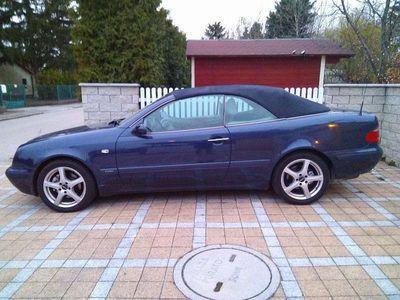gebraucht Mercedes CLK320 V6 Cabrio Elegance Autom. sehr guter Zustand Cabrio / Roadster