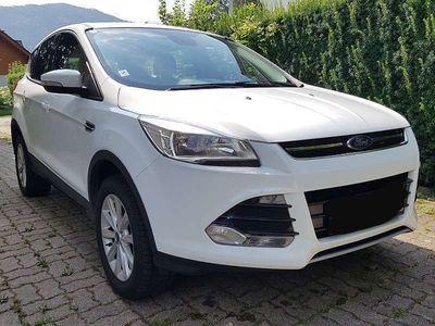 gebraucht Ford Kuga 2,0 TDCi Titanium 4x4 Allrad, Navi, PDC, AHK; SUV / Geländewagen