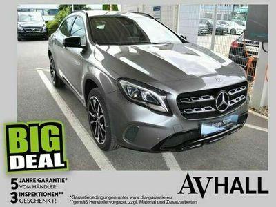 gebraucht Mercedes GLA250 4MATIC Aut. Urban Carbon Allrad LED Comand