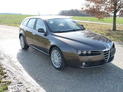 gebraucht Alfa Romeo 159 Sportwagon 2,4 l Kombi / Family Van,