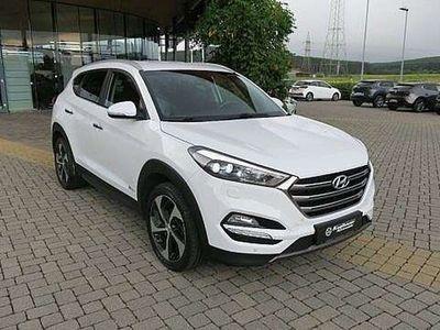 gebraucht Hyundai Tucson Style 2,0 CRDi 2WD MT 826m-P5-O4