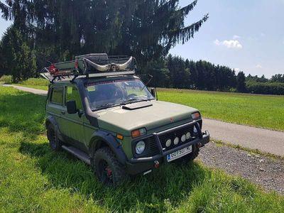 gebraucht Lada niva Taiga1.7 i 4x4 SUV / Geländewagen