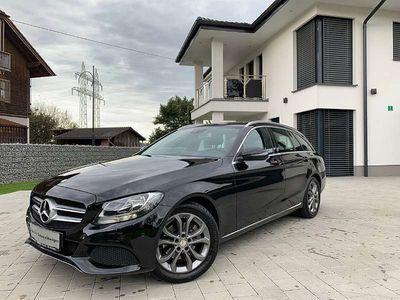 gebraucht Mercedes C220 C-Klassed T Avantgarde/1. Besitz/Leder/Navi/Servicegepflegt Kombi / Family Van