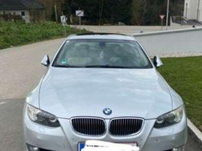 gebraucht BMW 325 3er-Reihe Coupé Diesel (E92) Coupé Aut.