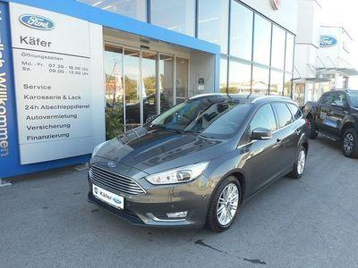 gebraucht Ford Focus Traveller 1,5 TDCi Titanium Aut. Kombi / Family Van,