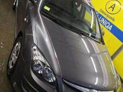 gebraucht Hyundai i30 CW 1,6 CRDi Comfort DPF