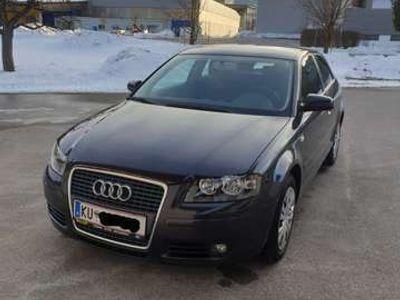 gebraucht Audi A3 Attraction 1,9 TDI DPF Klein-/ Kompaktwagen