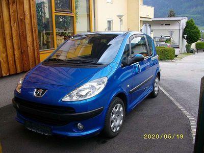 gebraucht Peugeot 1007 Trendy 1,4 HDI 70 Kombi / Family Van