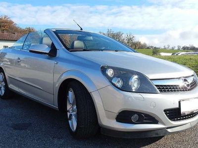 gebraucht Opel Astra Cabriolet Twin Top Cosmo 1,9 CDTI / Roadster