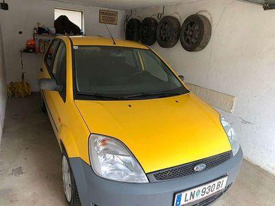 gebraucht Ford Fiesta 5T 1.3 AMBIENTE Klein-/ Kompaktwagen
