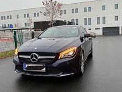 gebraucht Mercedes CLA220 D Sportwagen / Coupé
