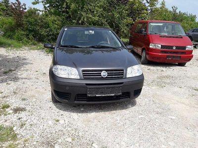 gebraucht Fiat Punto multijet 1.3 DISEl mit klima erstbesitz Klein-/ Kompaktwagen,