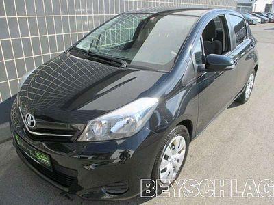 gebraucht Toyota Yaris 1,33 dVVT-i Active Limousine,