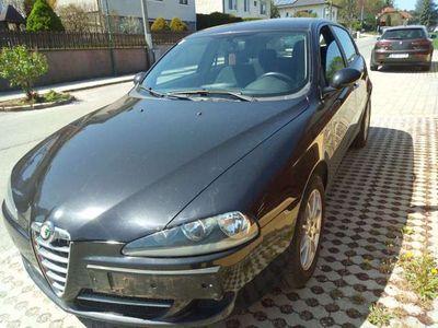 gebraucht Alfa Romeo 147 Distinctive Klein-/ Kompaktwagen
