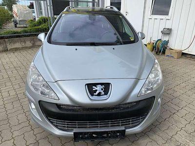 gebraucht Peugeot 308 SW 1,6 HDi 110 FAP Premium Kombi / Family Van