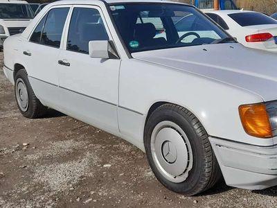 gebraucht Mercedes 230 E....230..Automatikgetriebe. Mit.klima