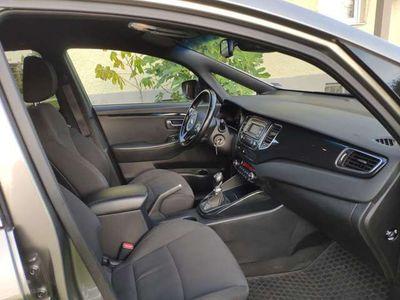gebraucht Kia Carens 1,7 CRDI Silber Ausstattung Kombi / Family Van