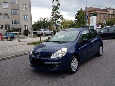 used Renault Clio 1.2 Benzin mit KLIMA Klein-/ Kompaktwagen,