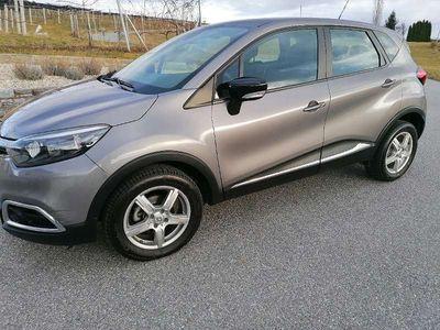 gebraucht Renault Captur 898 cm Limousine
