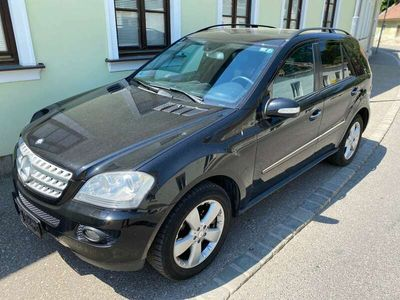 gebraucht Mercedes ML500 M-Klasse4MATIC Aut. SUV / Geländewagen