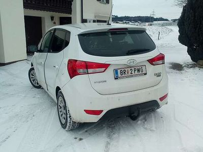gebraucht Hyundai ix20 CrDI Kombi / Family Van,