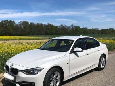 gebraucht BMW 318 3er-Reihe Diesel Allrad (F30) xDrive