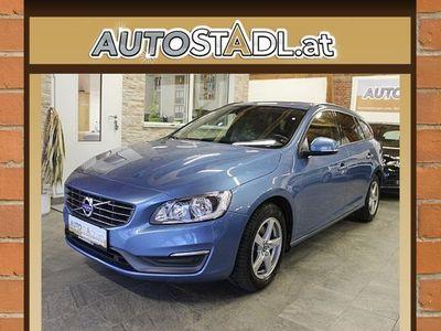 brugt Volvo V60 D2 Kinetic Powershift/Navi/AHV/PDC/Alu/MFL/
