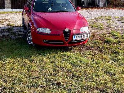 brugt Alfa Romeo 147 Klein-/ Kompaktwagen,