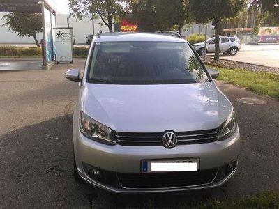 gebraucht VW Touran 1,4 TSI ERDGAS 7 Sitze Kombi / Family Van