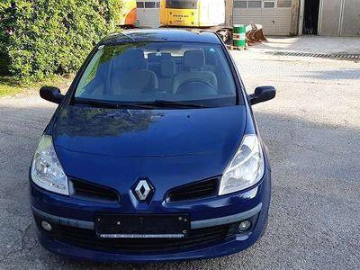 used Renault Clio 1.2 Benzin Klein-/ Kompaktwagen,