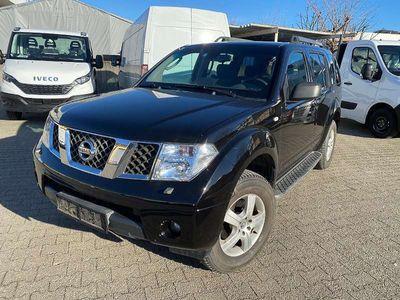 gebraucht Nissan Pathfinder 2,5 dCi SE Aut. SUV / Geländewagen