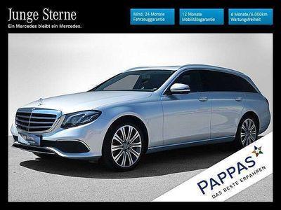 gebraucht Mercedes E220 E-KlasseT Austria Edition Elegance 4MATIC Aut. Kombi / Family Van