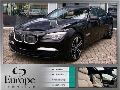gebraucht BMW 740 7er-Reihe d Aut. M Paket / Keyless / Kamera / Soft Clo... Limousine,