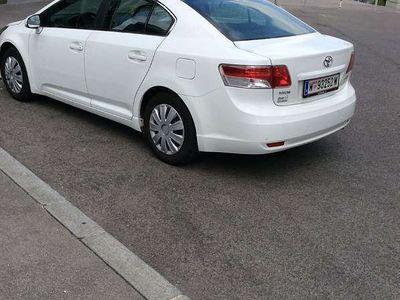 used Toyota Avensis 1,6 Benzin Limousine,