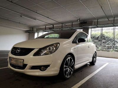 used Opel Corsa D Black & White Edition Klein-/ Kompaktwagen,